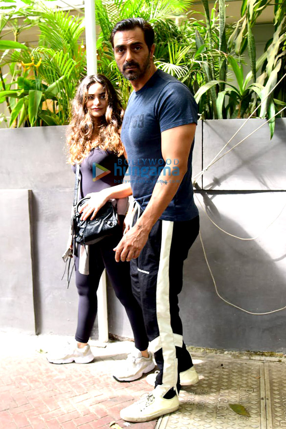 Photos: Arjun Rampal snapped with Gabriella Demetriades at Pali Hill, Bandra
