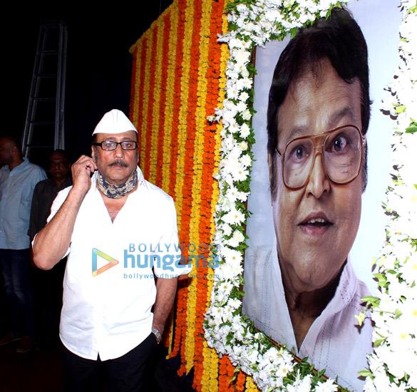 Photos Celebs attend Viju Khote's prayer meet (2)
