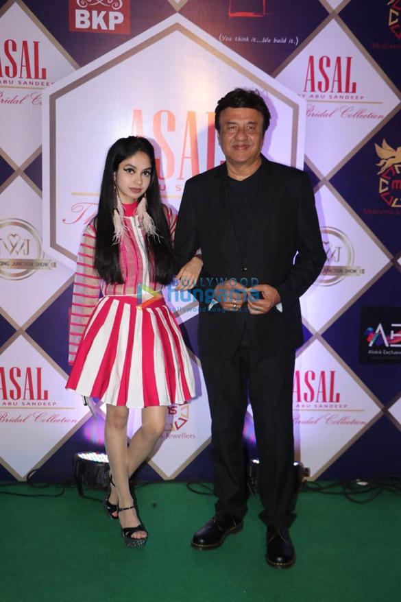 Photos Celebs grace Abu Jani and Sandeep Khosla's fashion show (2)