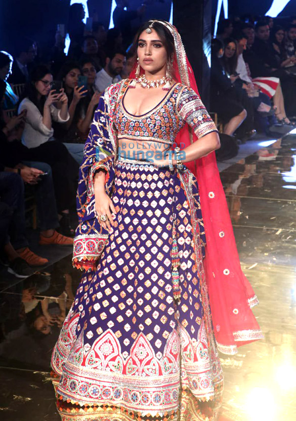 Photos Celebs grace Abu Jani and Sandeep Khosla's fashion show1 (3)