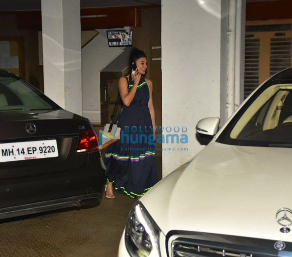 Photos Jacqueline Fernandez snapped at clinic in Bandra (3)