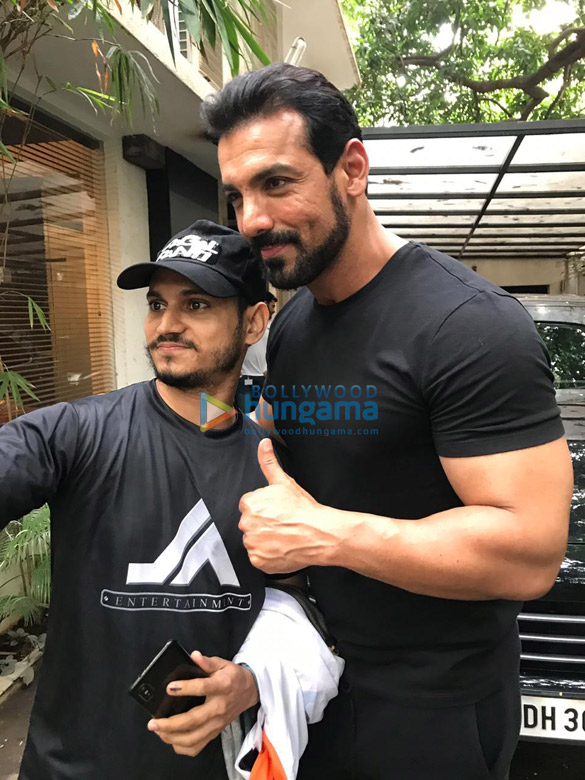 Photos John Abraham snapped posing with fans at his office (3)