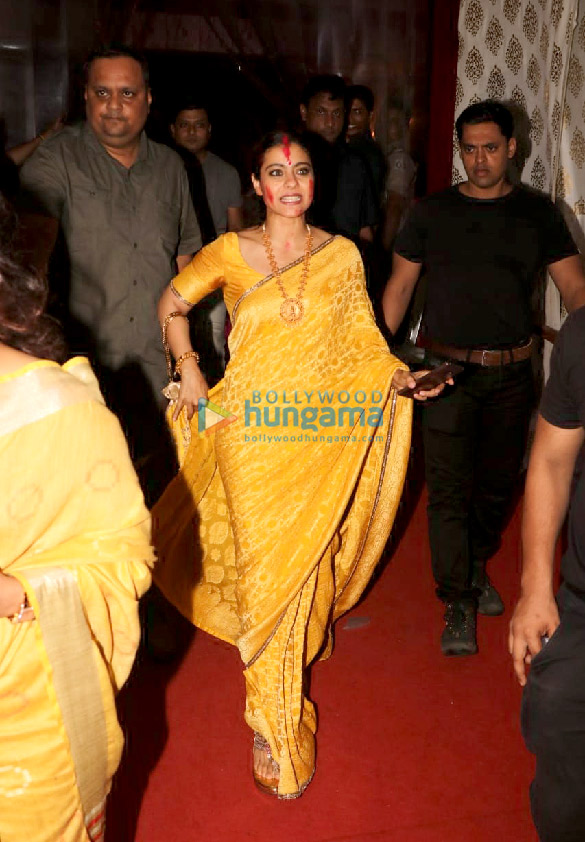 Photos Kajol, Rani Mukerji, Karan Johar and others snapped at Durga Puja (8)
