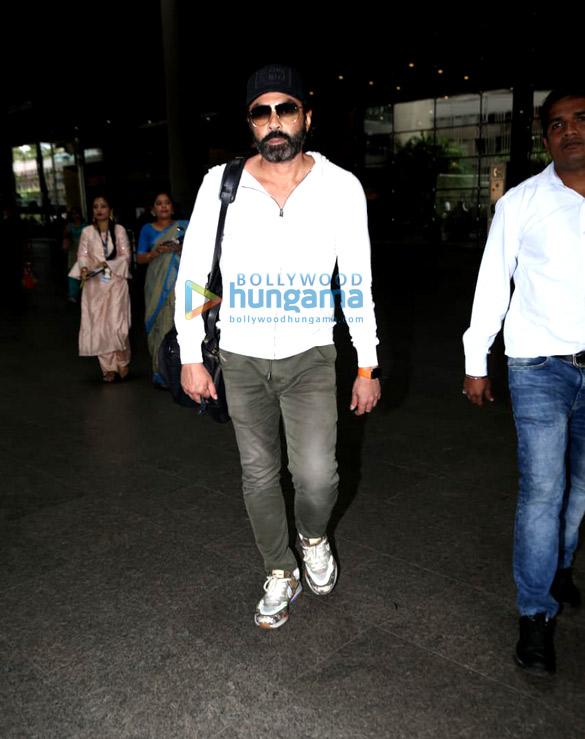 Photos: Katrina Kaif, Ameesha Patel and others snapped at the airport