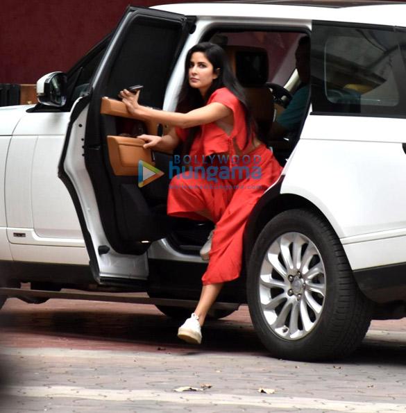 Photos Katrina Kaif snapped in Andheri (1)