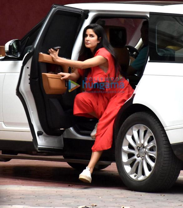 Photos Katrina Kaif snapped in Andheri (2)