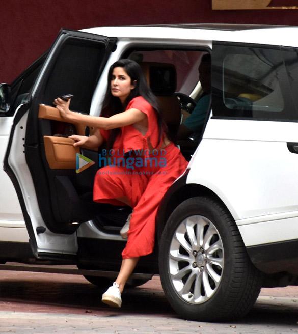 Photos Katrina Kaif snapped in Andheri (3)