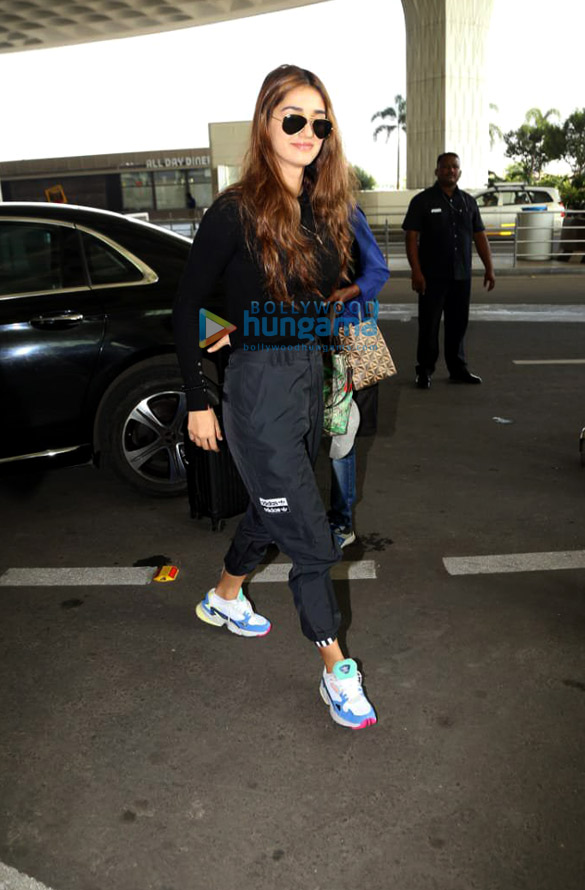 Photos: Kiara Advani, Disha Patani, Arjun Kapoor and Aditya Roy Kapur snapped at the airport