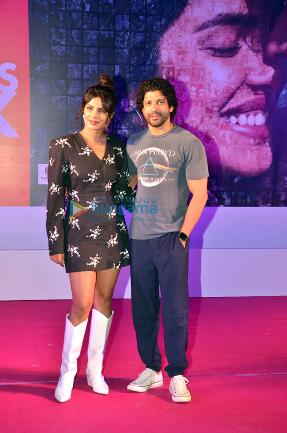 Photos Priyanka Chopra Jonas and Farhan Akhtar snapped promoting their film The Sky Is Pink in Bandra (4)