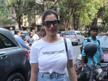 Photos: Sophie Choudry spotted at Pali Village Cafe