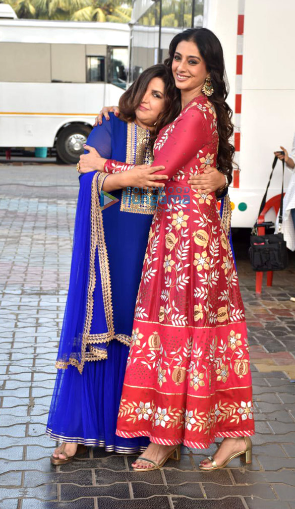 Photos: Tabu and Farah Khan snapped on the sets of Movie Masti show