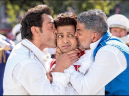 Watch: Riteish Deshmukh and Bobby Deol call out Akshay Kumar for being late; he denies