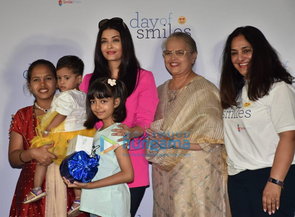Photos Aishwarya Rai Bachchan and her daughter Aaradhya Bachchan snapped at the SRCC Hospital event-0121 (3)