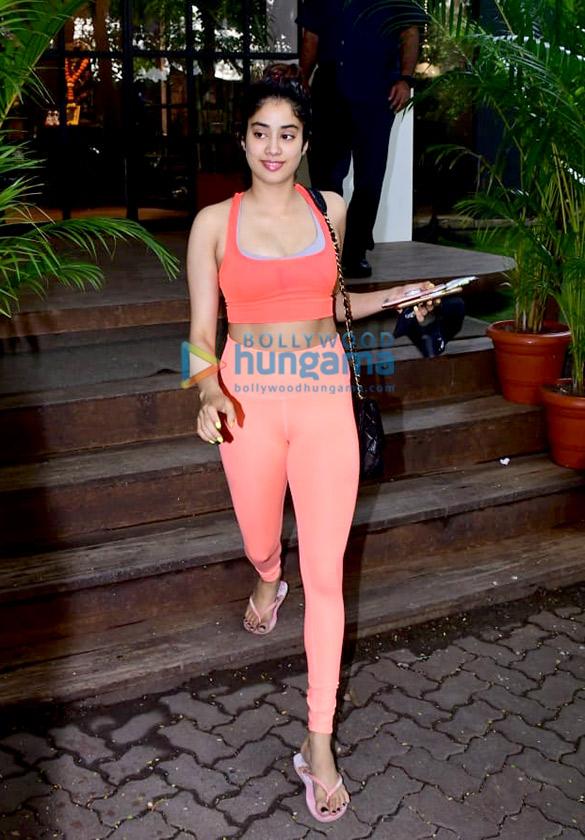Photos: Janhvi Kapoor, Shahid Kapoor and Mira Kapoor spotted at gym in Bandra