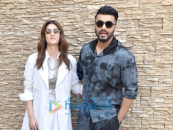 Photos: Kriti Sanon and Arjun Kapoor snapped during Panipat promotions