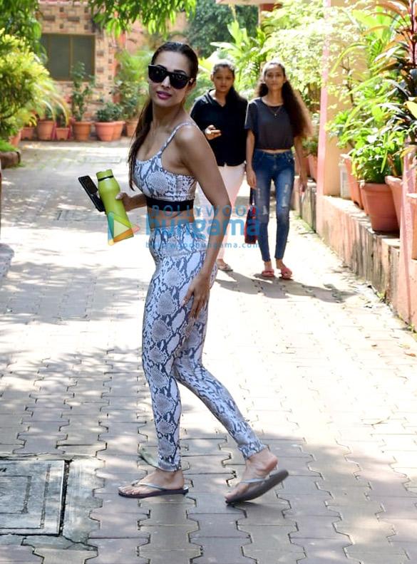 Photos Malaika Arora snapped at Diva Yoga Studio in Bandra (3)