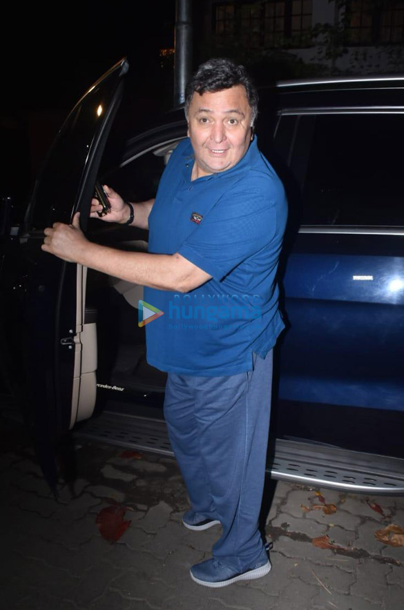 Photos Rishi Kapoor snapped in Juhu (1)