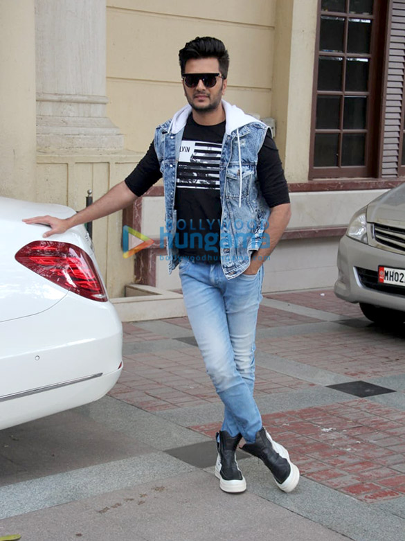 Photos: Marjaavaan cast snapped at Radio City office