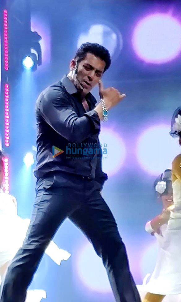 Photos: Salman Khan, Jacqueline Fernandez, Sonakshi Sinha and others perform at the Da-Bangg Tour Reloaded in Dubai