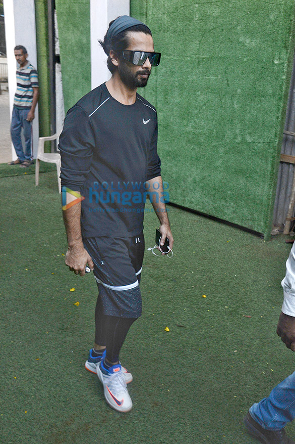 Photos: Shahid Kapoor spotted practising cricket for his next film Jersey