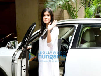 Photos: Shanaya Kapoor spotted at a dance class