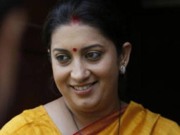 VIDEO Gujarat's Union Minister, Smriti Irani, performs the traditional dance, 'Talwar Raas'