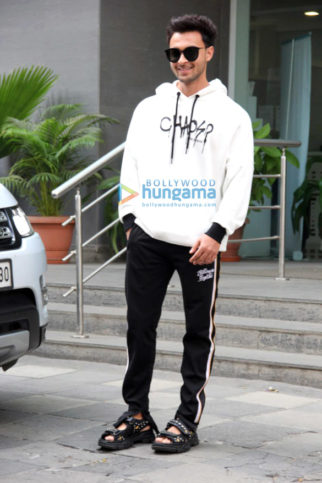 Photos: Aayush Sharma, Helen and Atul Agnihotri spotted at Hinduja Hospital