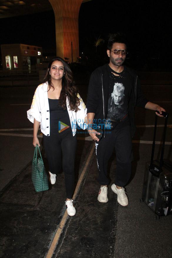 Photos Akshay Kumar, Sonakshi Sinha, Huma Qureshi and Aparshakti Khurana snapped at the airport (4)