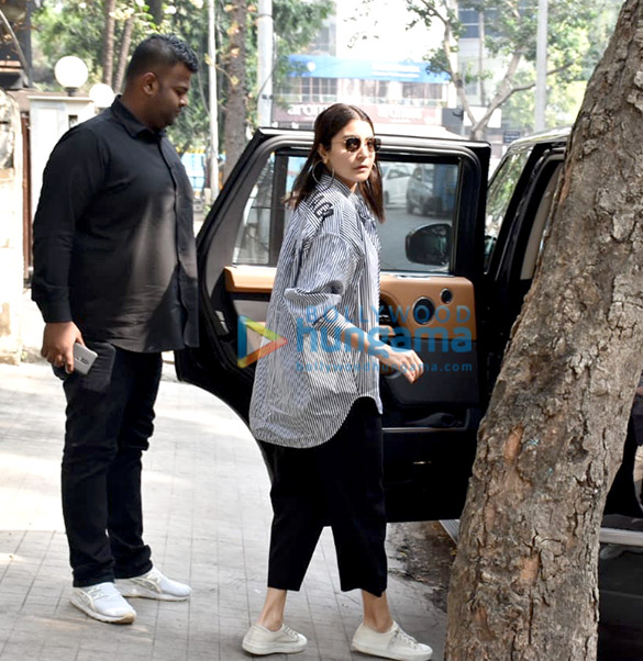 Photos: Anushka Sharma spotted at a clinic in Juhu