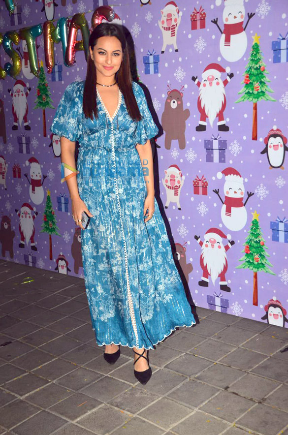 Photos Celebs snapped at Aayush Sharma and Arpita Khan's Christmas party3 (1)