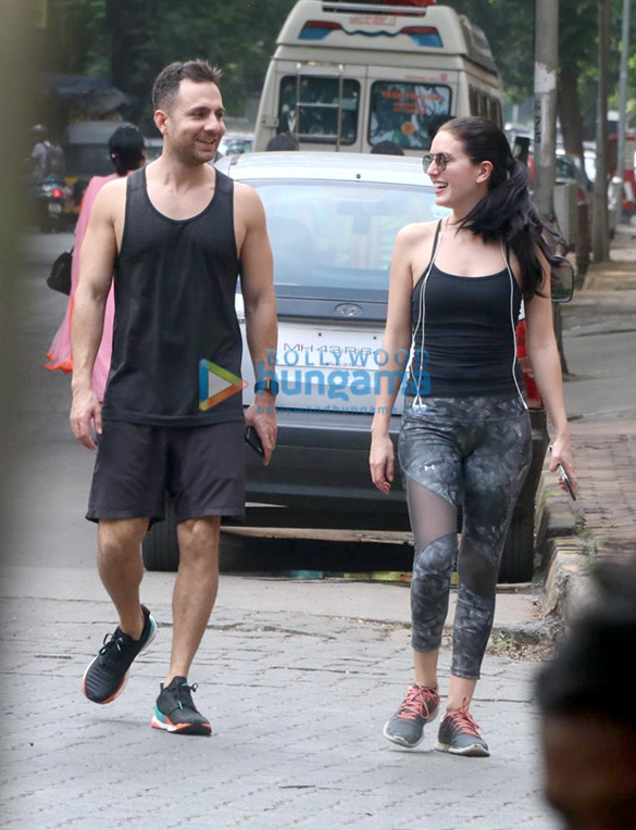 Photos Isabel Kaif snapped in Bandra (1)