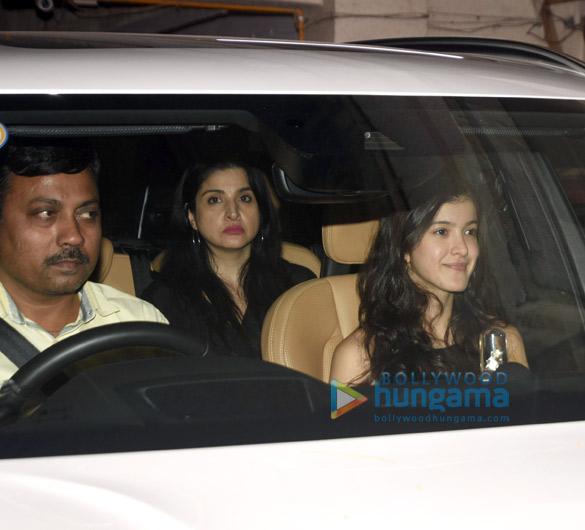 Photos Janhvi Kapoor, Khushi Kapoor, Shanaya Kapoor and Boney Kapoor grace Anshula Kapoor's birthday bash (2)
