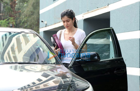 Photos Shanaya Kapoor spotted at a dance class (2)