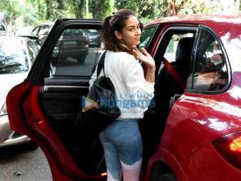 Photos: Varun Dhawan, Genelia Dsouza and Mira Kapoor spotted at the gym