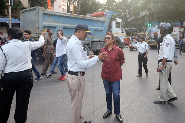 Rani Mukerji hits the streets to meet traffic cops to see them in action