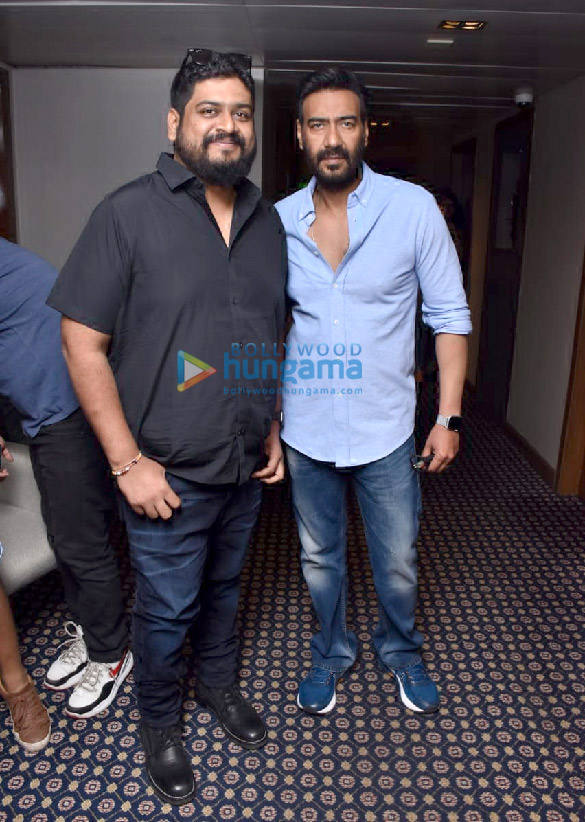 Photos Ajay Devgn and Om Raut snapped during Tanhaji – The Unsung Warrior promotions (3)