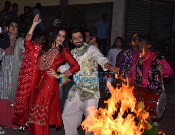 Photos Cast of Jai Mummy Di snapped celebrating Lohri (3)