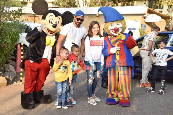 Photos Celebs attend Ekta Kapoor's son Ravie Kapoor's birthday party (5)