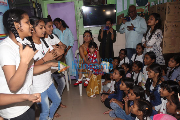 Photos Geeta Basra and daughter Hinaya celebrate Lohri with the girls of Shiksha Seva Foundation (1)