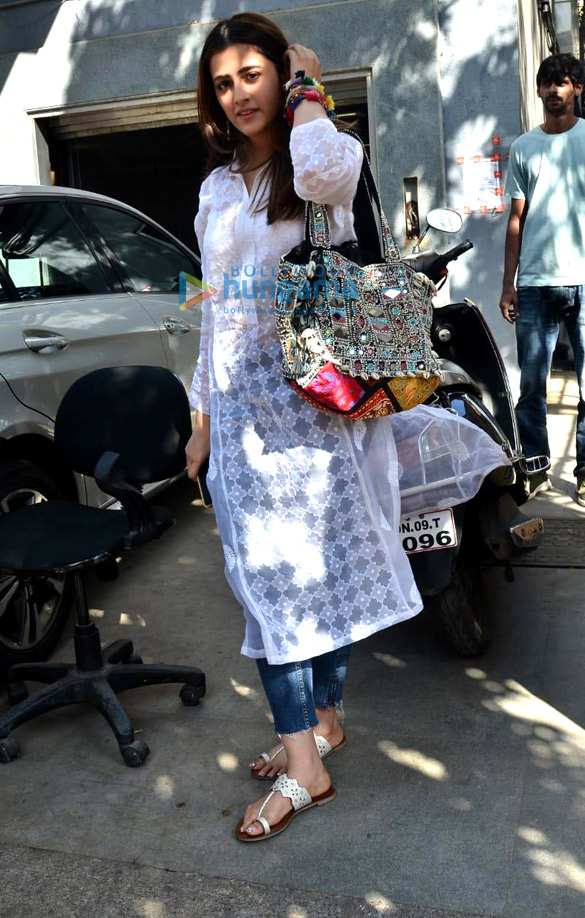 Photos: Nupur Sanon spotted at Jackky Bhagnani's office