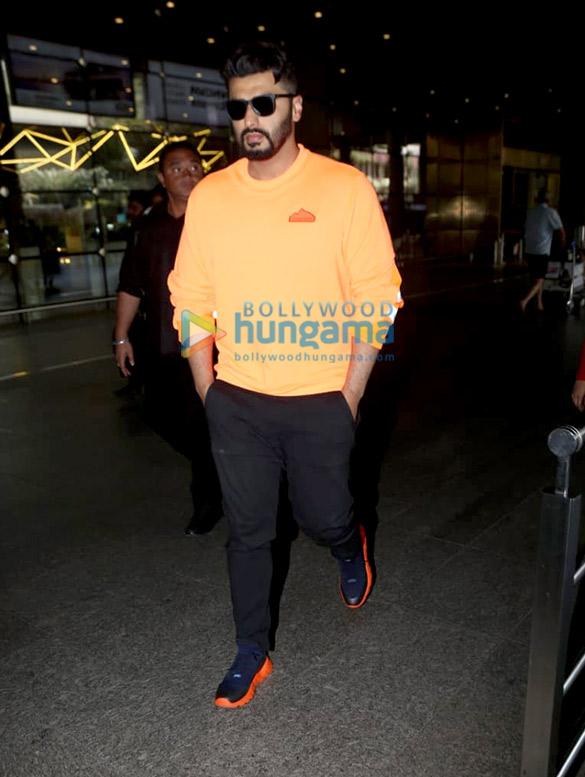 Photos Shraddha Kapoor, Varun Dhawan and others snapped at the airport (2)
