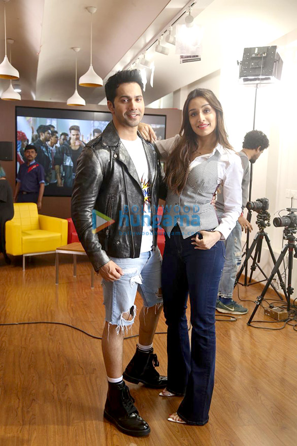 Photos Varun Dhawan and Shraddha Kapoor snapped promoting their film Street Dancer 3D at 98.3 FM Radio Mirchi office (6)