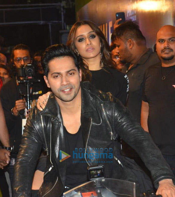 Photos Varun Dhawan and Shraddha Kapoor snapped promoting their film 'Street Dancer 3D' at JRM grounds (2)