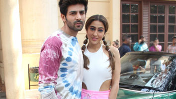 Kartik Aaryan makes faces while Sara Ali Khan talks
