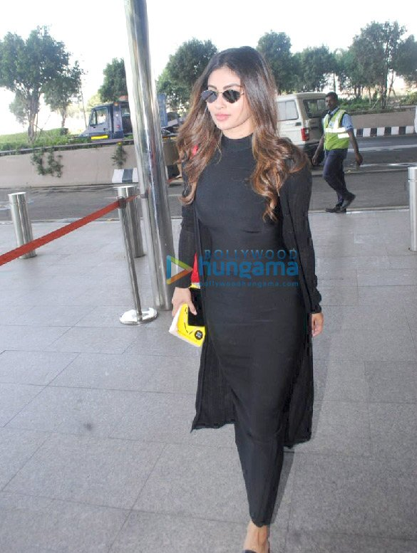 Photos Alia Bhatt, Ananya Panday, Mouni Roy and others snapped at the airport (6)