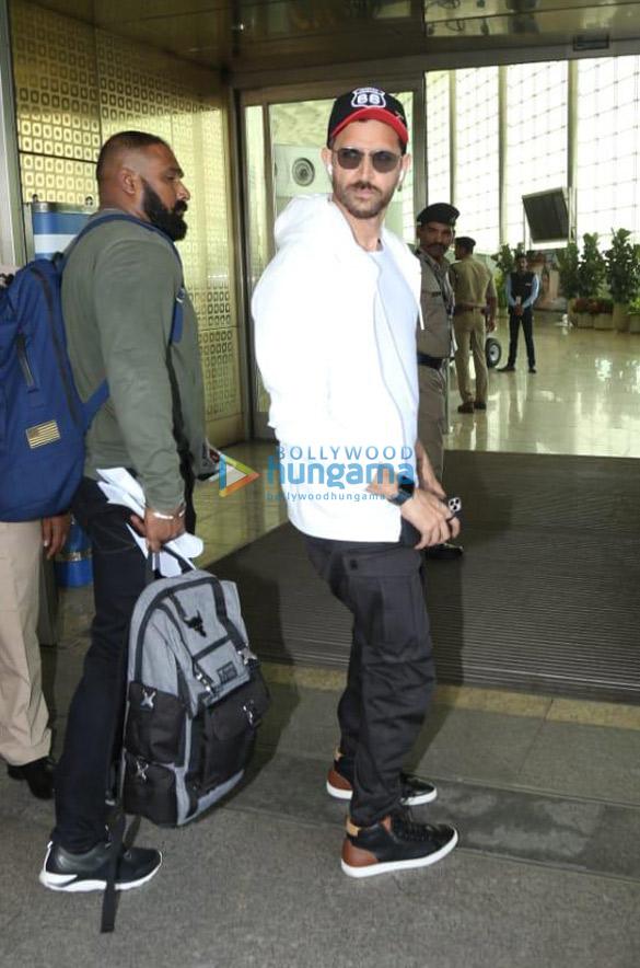 Photos Priyanka Chopra Jonas, Kiara Advani and others snapped at the airport (1)