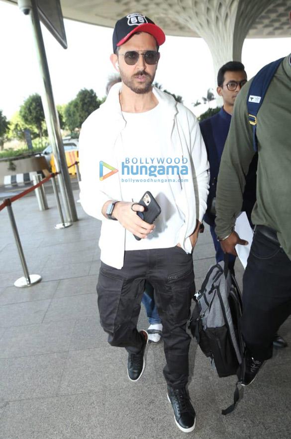 Photos Priyanka Chopra Jonas, Kiara Advani and others snapped at the airport (2)