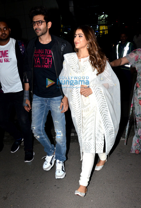 Photos: Sara Ali Khan, Kartik Aaryan, Deepika Padukone and Ranveer Singh snapped at the airport
