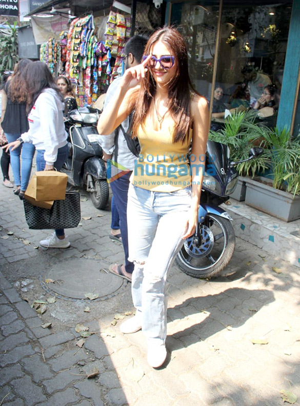 Photos: Vaani Kapoor spotted in Bandra