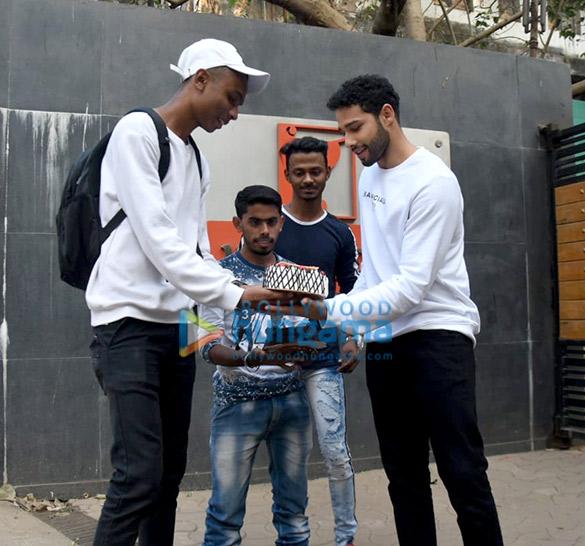 Photos Siddhant Chaturvedi celebrates one year of Gully Boy (5)